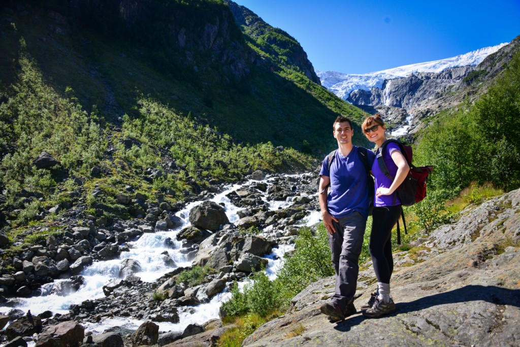 hardangerfjord hiking odda norway follow the flammias. Black Bedroom Furniture Sets. Home Design Ideas