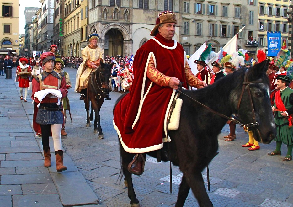 Arriving in Piazza del Duomo (photo from newspaper)