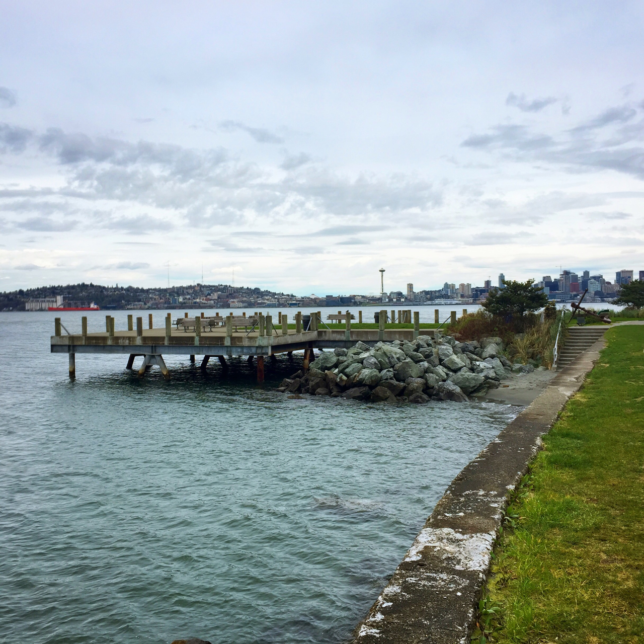 View of one of the docks around Alki Beach